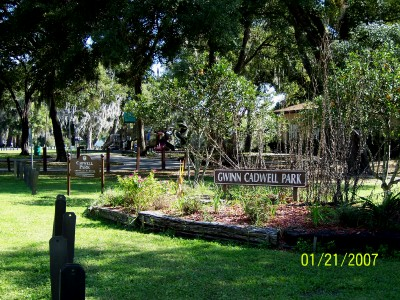 Umatilla, Florida: Cadwell Park and Community Center